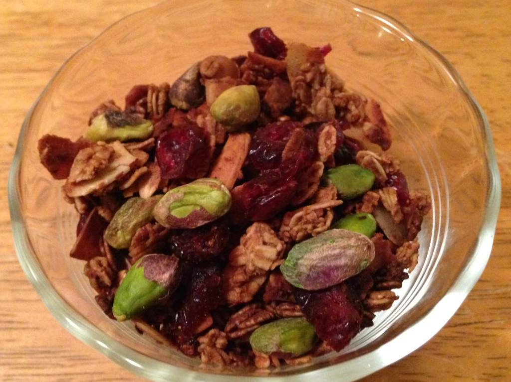 Gingerbread Granola - a healthy Christmas or holiday gift - lower sugar and fat, dairy-free, & can be made gluten-free. Guesswhoscooking.com