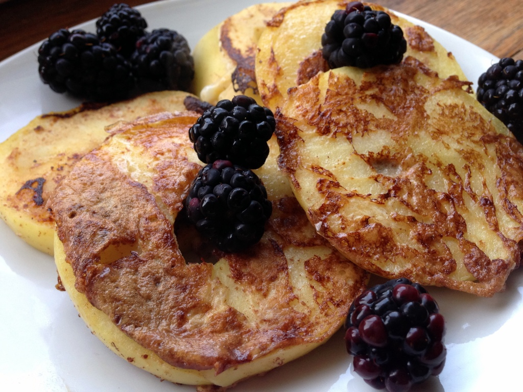 French Toast Apples | Guesswhoscooking.com | Healthy, easy, lower carb, no added sugar, no refined grains