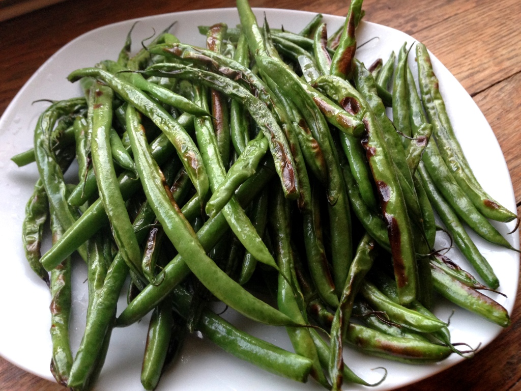 Broiled Green Beans | GuessWhosCooking.com | Easy, quick, healthy, vegan, gluten-free, dairy-free, plant-based